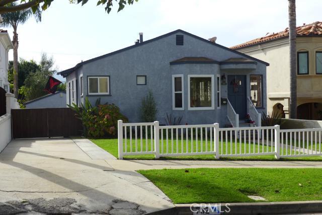 732 Avenue C, Redondo Beach, California 90277, 4 Bedrooms Bedrooms, ,3 BathroomsBathrooms,For Sale,Avenue C,PV14034538