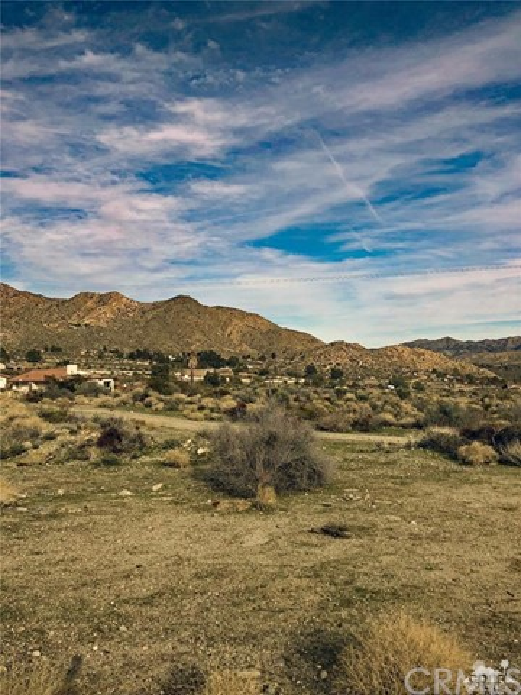 10594 Pinon Avenue, Morongo Valley, CA 92256