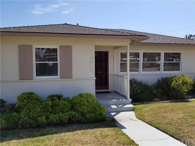 1311 S Helberta Avenue, Redondo Beach, CA 90277