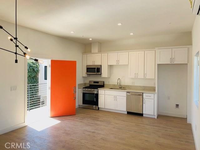 944 Pacific Avenue 2, Long Beach, CA 90813