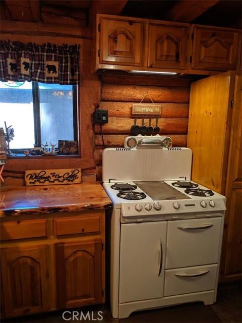 2424 Spruce Dr, Arrowbear, CA 92382 Photo 8