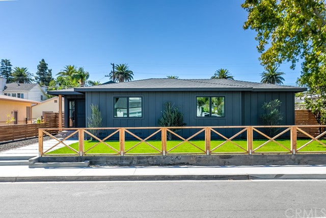 337 Costa Mesa Street, Costa Mesa, CA 92627