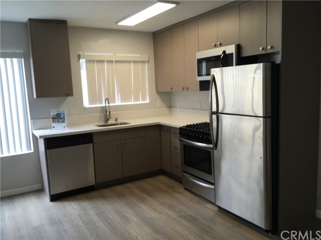 241 W Tujunga Avenue O, Burbank, CA 91502