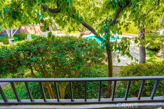 29. 8711 Falmouth Avenue #110 Playa del Rey, CA 90293
