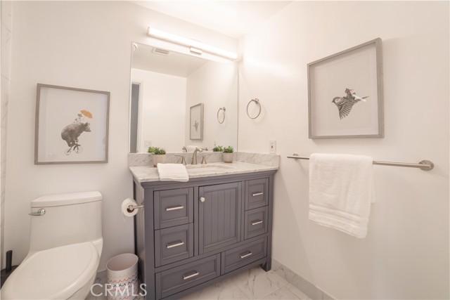 956 14th Street, Hermosa Beach, California 90254, 4 Bedrooms Bedrooms, ,4 BathroomsBathrooms,For Rent,14th,SB21054317