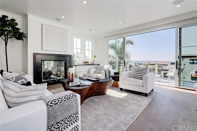 3516 Manhattan Avenue, Manhattan Beach, CA 90266