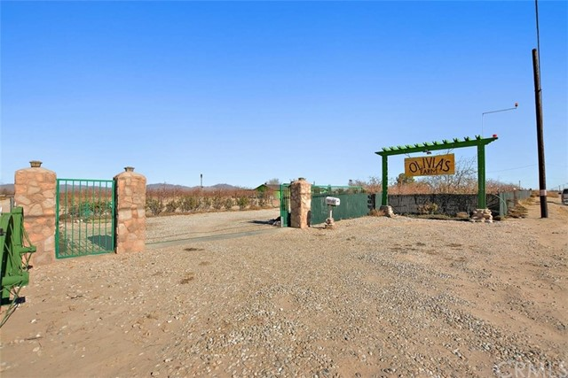 34738 Old Woman Springs Rd, Lucerne Valley, CA 92356 Photo 1