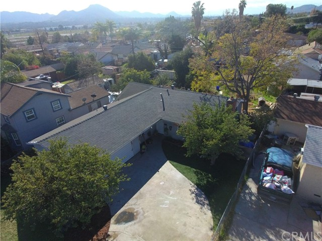 945 Virginia Avenue, Colton, CA 92324