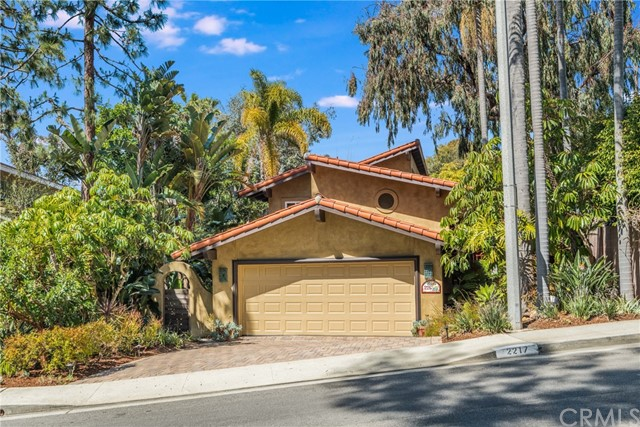 2217 Valley Drive, Manhattan Beach, California 90266, 4 Bedrooms Bedrooms, ,2 BathroomsBathrooms,For Sale,Valley,SB21051487