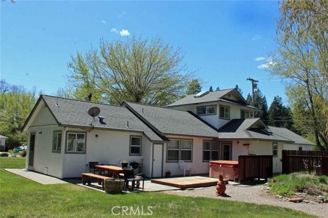 909 Schilling Way, Mount Shasta, CA 96067