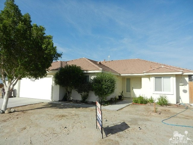 2772 Coco Avenue, Thermal, CA 92274