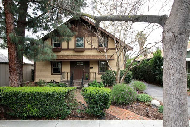 424 W 7th Street, Claremont, CA 91711