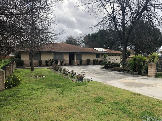 1438 N Palm Avenue, Hemet, CA 92543