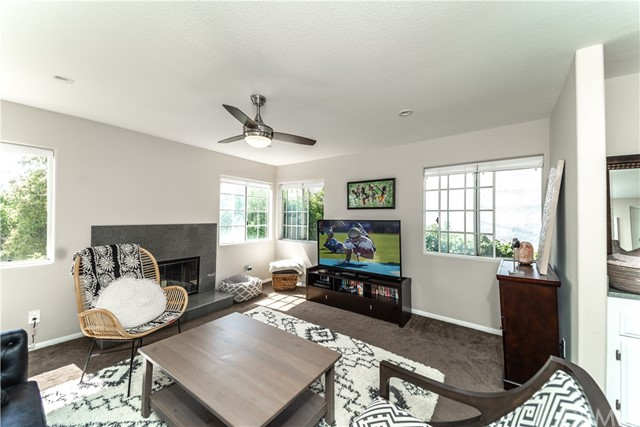 956 10th Street, San Pedro, California 90731, 3 Bedrooms Bedrooms, ,2 BathroomsBathrooms,Condominium,For Sale,10th,PV19132671