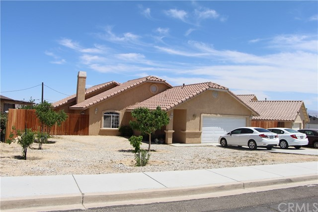 16285 Northwood Dr, Victorville, CA 92394 Photo