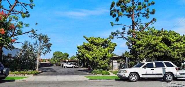 Diamond in the rough - This Eastside Costa Mesa 10 unit apartment property includes (1) 2 bed 2 bath apartment and (9) 1 bed 1 bath apartment, a private outdoor patio for each apartment is rare. In addition, there are 10 carports and 8 open parking spaces. Also a laundry room and storage area for the tenants. 314 Ogle St borders the coveted neighborhood of Newport Beach, California and it is perfect for the residential real estate developer looking for the next ideal real estate project.  314 Ogle St is zoned an R2 medium density property, situated on a 29,015 square foot lot (.67 Acre), with tremendous future value potential.  The location of the property is highly desirable as it is walking distance to Newport Heights Elementary School or a short bike ride to Ensign or Newport Harbor High.  It's close proximity to 17th Street with wonderful shopping and restaurants.