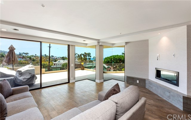 154 Cliff Drive, Laguna Beach, CA 92651