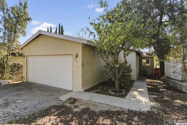 3902 Los Olivos Lane, Glendale, CA 91214