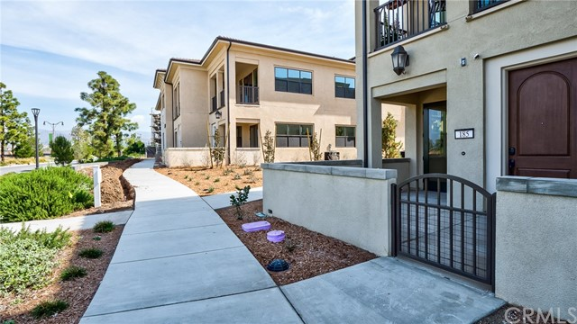 185 Follyhatch, Irvine, CA 92618 Photo 3