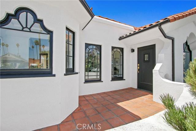 3031 9th Avenue, Los Angeles, CA 90018