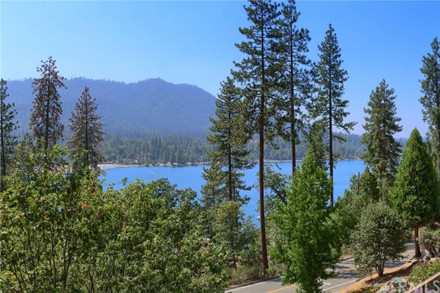 37570 Marina View Drive, Bass Lake, CA 93604