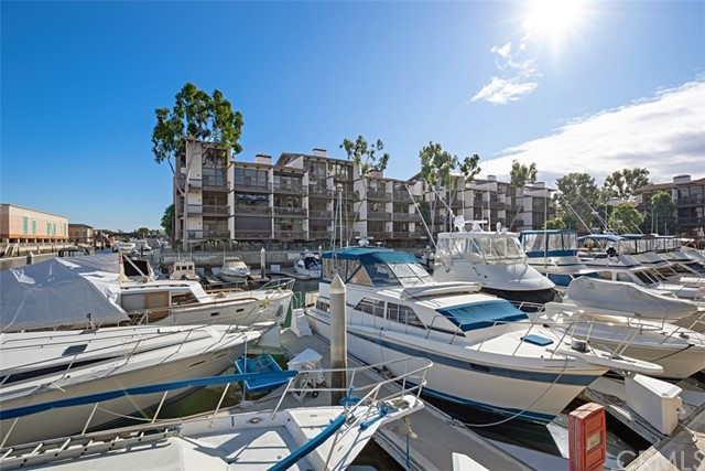6335 Marina Pacifica Dr, Long Beach, CA 90803