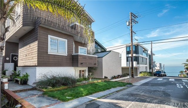 420 27th Street, Manhattan Beach, California 90266, 4 Bedrooms Bedrooms, ,4 BathroomsBathrooms,For Rent,27th,SB21028185