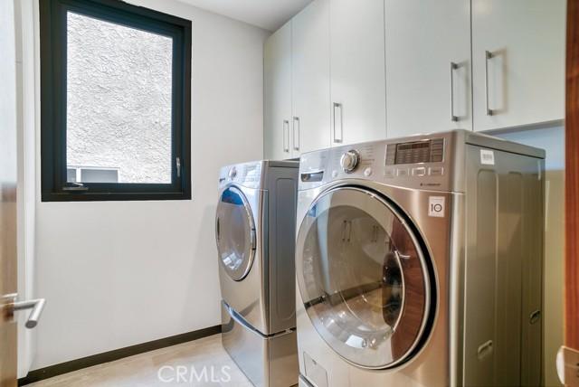 417 34th Street, Manhattan Beach, California 90266, 4 Bedrooms Bedrooms, ,2 BathroomsBathrooms,For Sale,34th,SB21028010