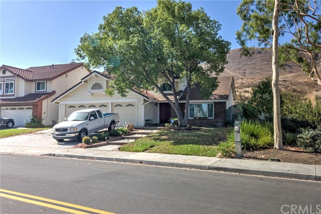 16641 Lake Knoll, Riverside, CA 92503