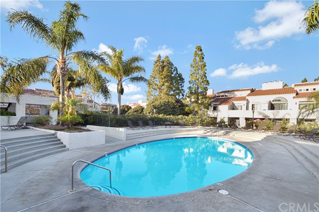 26. 17172 Abalone Lane #104 Huntington Beach, CA 92649
