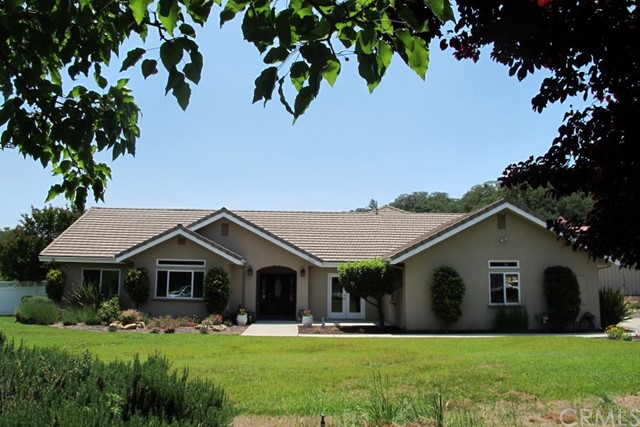 10005 Escondido Road, Atascadero, CA 93422