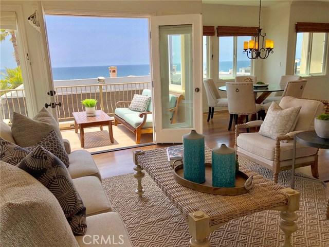 121 15th Street, Manhattan Beach, California 90266, 3 Bedrooms Bedrooms, ,3 BathroomsBathrooms,For Sale,15th,SB18131907