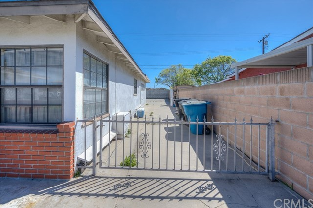 15592 Wilson St, Midway City, CA 92655 Photo 2