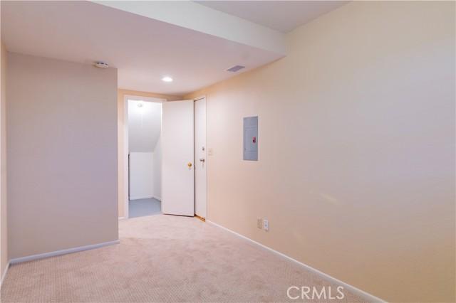 Lower level room w/closet & storage