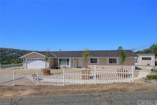28826 Sequoia Court, Coarsegold, CA 93614