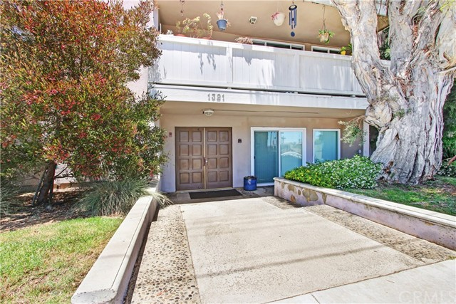 1321 Beryl 101, Redondo Beach, California 90277, 3 Bedrooms Bedrooms, ,2 BathroomsBathrooms,For Sale,Beryl,SB20099049