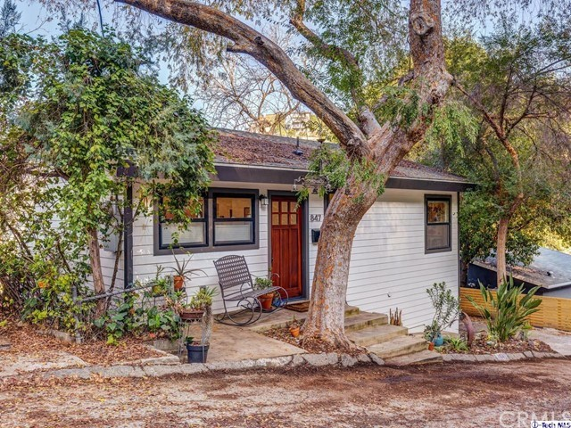 847 Ganymede Drive, Los Angeles, CA 90065