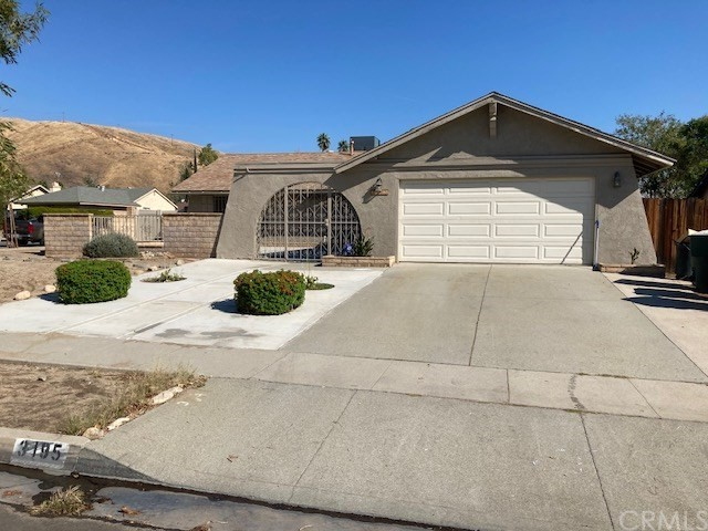 3195 Little Mountain Dr, San Bernardino, CA 92405