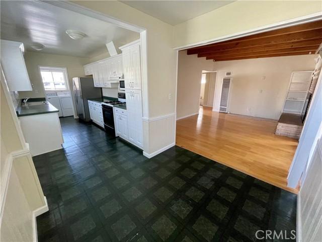 2022 Perry Avenue, Redondo Beach, California 90278, ,For Sale,Perry,SB21055379
