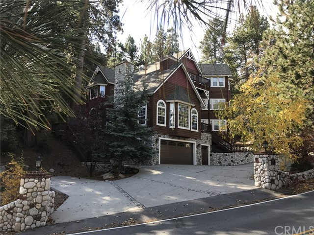 284 Fairway Drive, Lake Arrowhead, CA 92352