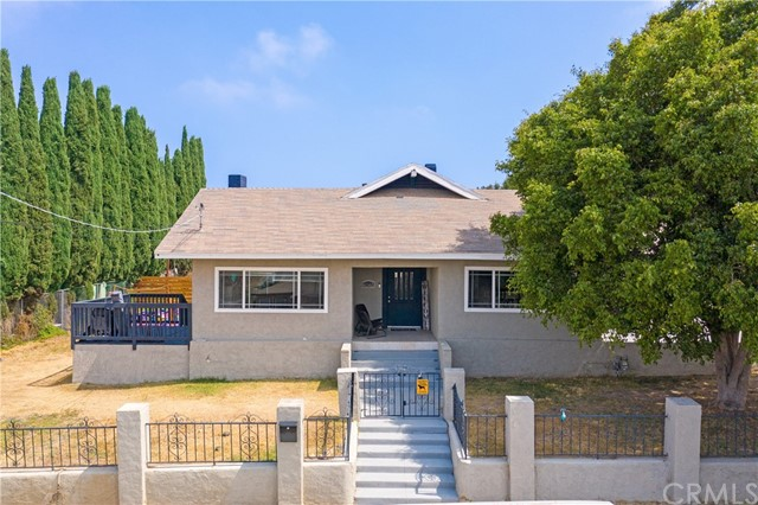 2. 6140 Wunderlin Avenue San Diego, CA 92114