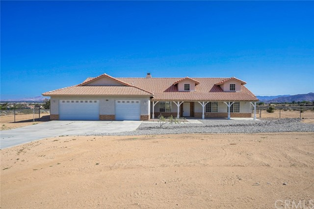 23040 Lisbon Road, Apple Valley, CA 92308