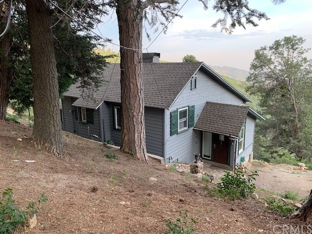 28681 Willow Road, Lake Arrowhead, CA 92385