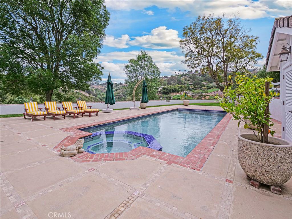 Beautiful private pool deck