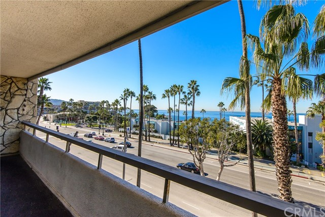 230 Catalina Avenue 306, Redondo Beach, California 90277, 2 Bedrooms Bedrooms, ,2 BathroomsBathrooms,For Rent,Catalina,SB19275539