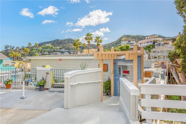 210 Marilla Avenue, Avalon, CA 90704