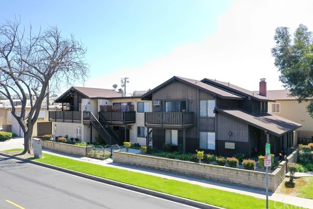 5050 Hayter Avenue, Lakewood, CA 90712