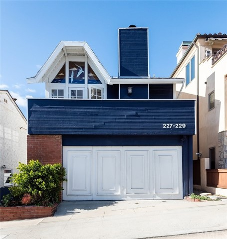 227 29th Street, Hermosa Beach, California 90254, ,For Sale,29th,SB21036040
