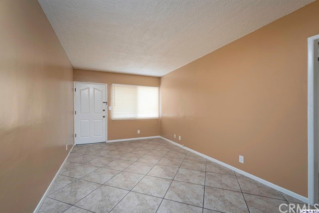 地址: 1229 Hobart Boulevard, Hollywood, CA 90029