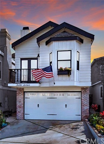 1216 20th Place, Hermosa Beach, California 90254, 3 Bedrooms Bedrooms, ,2 BathroomsBathrooms,For Sale,20th,SB20132382